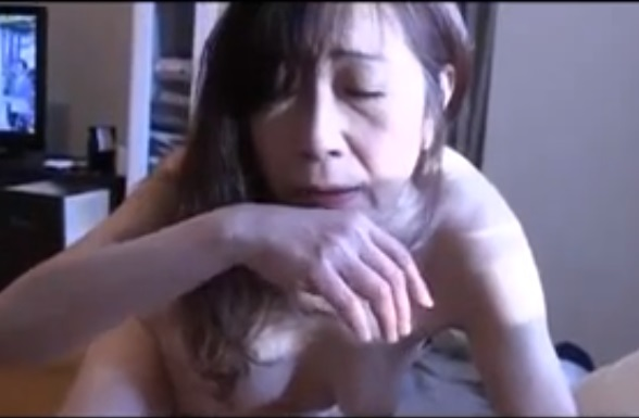 bimajoj dmm2135 1 - 【母子相姦】「あぁッ♡スッキリしたぁ?」高齢熟母が一人暮らしの息子を心配し部屋の掃除とフェラ処理を定期的に実施!