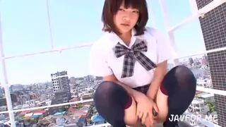 bimajo 9195 1 - ハニカミながらも屋上でパンティ見せてくれるJKが女神すぎる!パイパン&ちっぱいコンボでもう言うコトなしっす!